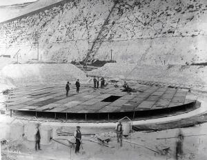Oil Installations Eastern Arm, laying foundations. Source DHB
