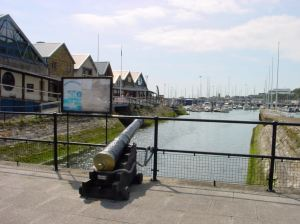 Cannon over looking Wellington Dock, De Bradelei Wharf Car Park. Restored by Richard Mahony