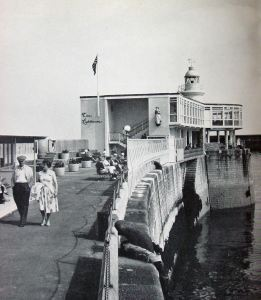Lighthouse Cafe, Prince of Wales Pier. DHB Collection