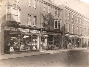 Turnpenny's 2-5 London Road, inter- war. John Turnpenny Collection