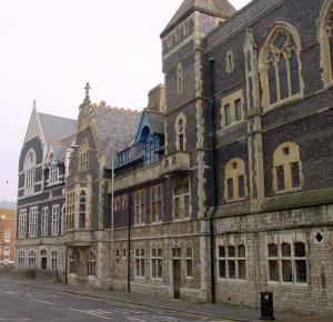 The Ladywell side of the Connaught Hall side of the former Town Hall, now the Maison Dieu . The relative new part at the end is the former Technical College that DODS were interested in purchasing. Alan Sencicle