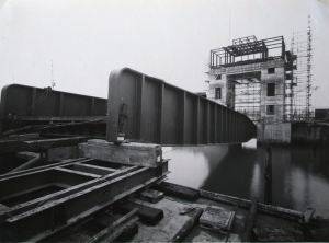 East Bridge - On Temporary Supports 01.01.1953. DHB - Lambert Weston