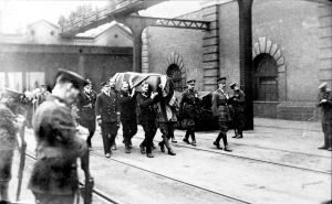 The coffin of the Unknown Warrior being carried along Admiralty Pier to the awaiting train. Dover Mercury