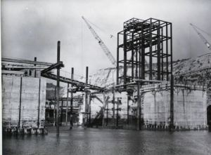 East Portal Steelwork & Dolphins 06.09.1952. DHB - Lambert Weston
