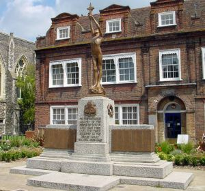 War Memorial in front of Maison Dieu House