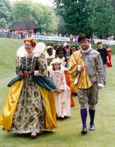 Dover Pageant 1990 Elizabeth I - Lorraine Sencicle , Walter Raleigh - Michael van de Heuven. Michael Banks