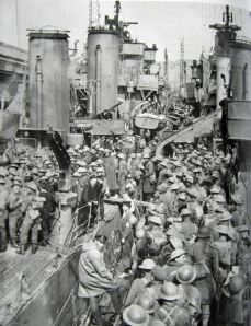 Dunkirk 1940 Troops arriving in Dover having been evacuated. Doyle Collection.