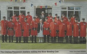 Visit by the Chelsea Pensioners to River Bowls Club. Terry Scott Dover Mercury 30.09.2010