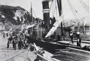 Granville Dock unloading timber c 1930. Thanks to David Ryeland