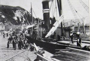 Granville Dock unloading timber c 1930. Thanks to David Ryeland