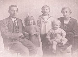 Bissenden family: Albert, Eileen, Colin, Edward and Mabel. David Bissenden