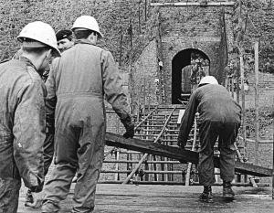 Junior Leaders repairing the Drop Redoubt, Western Heights 1987. Dover Museum