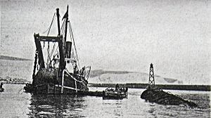Glatton next to salvage boat Dapper 1925. Amos & Amos
