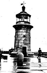 Prince of Wales Pier Lighthouse c1920. Paul Skelton