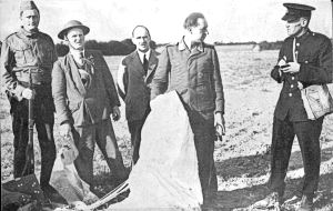 German pilot Artur Dau shot down 28.08.1940 over Hougham being interviewed by PC Hills, with left to right Home Guard, Jack Wood, ARP Warden Cyril Souton and local Mr Worrall. Kath & Bob Hollingsbee Collection