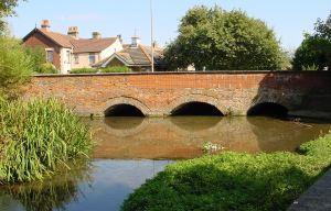 Buckland Bridge, London Road, looking south originally built in 1795. Alan Sencicle