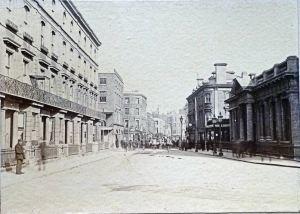 New Bridge looking towards Bench Street, Cambridge Terrace on the left and new Bridge House on the right note buildings on the bridge c1900. David Iron