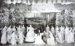 DODS 1950 production of Gilbert & Sullivan's in Connaught Hall. Iolanthe Queen of the Fairies scene. LS