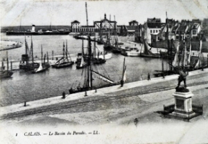 Calais - Bassin du Paradiss c1910. David Iron Collection