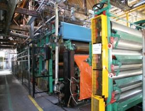 Fourdrinier papermaking machine - relatively modern -Frogmore Mills, Hertfordshire. Chris Allen Wikimedia