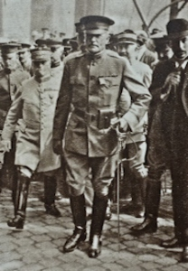 US Commander in Chief General Pershing arriving in France 1917. Cassira