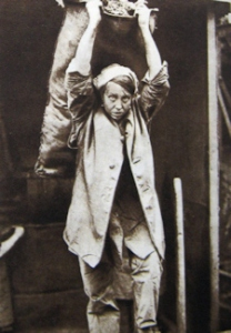 During the War women, like Sara, worked as a coalheaver at power stations. Eveline Robinson